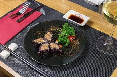 hokkaido ristorante sushi piatto farfalla
